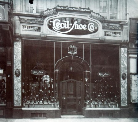 Magasin Cecil Shoe, Rue Neuve 49, Bruxelles,  photographie d'époque (© Fondation CIVA Stichting/AAM, Brussels /Paul Hamesse)
