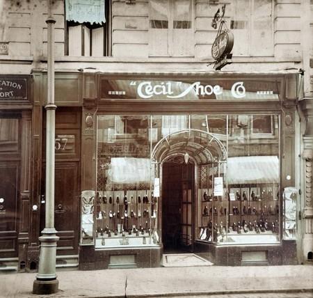 Cecil Shoe, Chaussée d'Ixelles 57, Ixelles, vitrine du magasin de chaussures  (© Fondation CIVA Stichting/AAM, Brussels /Paul Hamesse)