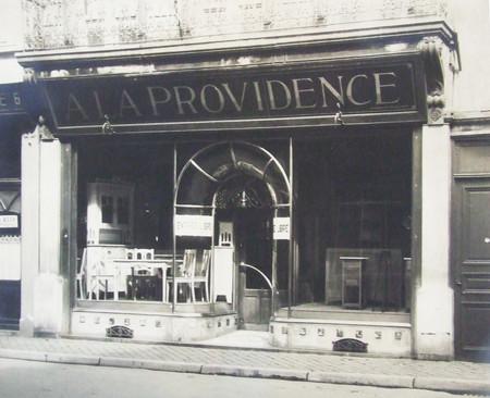 A la Providence, Rue de la Casquette, Liège, vitrine (© Fondation CIVA Stichting/AAM, Brussels/ Paul Hamesse)