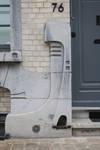 Rue des Mélèzes 76, Ixelles, sousbassement et décrottoir (© APEB, photo 2017)