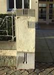 Avenue Jeanne 9-11, Ixelles, pilier de la grille du jardinet (© CM, photo 2014)