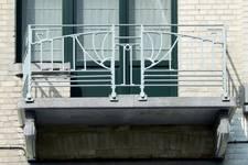 Trooststraat 100, Schaarbeek, balkon van de eerste verdieping (© CM, foto 2013)