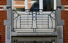 Rue Félix Delhasse 11-13, Saint-Gilles, balcon (© APEB, photo 2017)