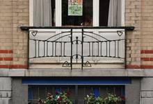 Avenue des Rogations 53-57, Woluwe-Saint-Lambert, balcon du premier étage (© SPRB-BDU, photo 2011)