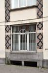 Ets Van der Elst, Charles Demeerstraat 1-3 | Dieudonné Lefèvrestraat 75, Brussel Laken, raam van de eerste verdieping Charles Demeerstraat (© APEB, foto 2017)